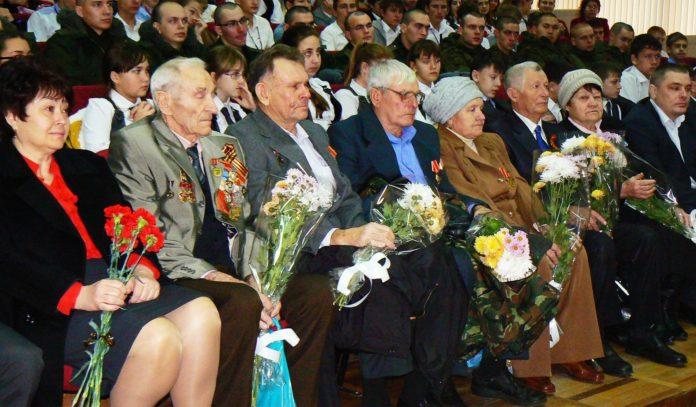 В музее семьи Степановых собрались ежегодно отметить День Героев Отечества