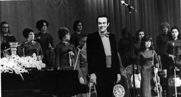 Фрагмент концерта Муслима Магомаева в Кремлёвском Дворце Съездов 11 мая 1976 года.
