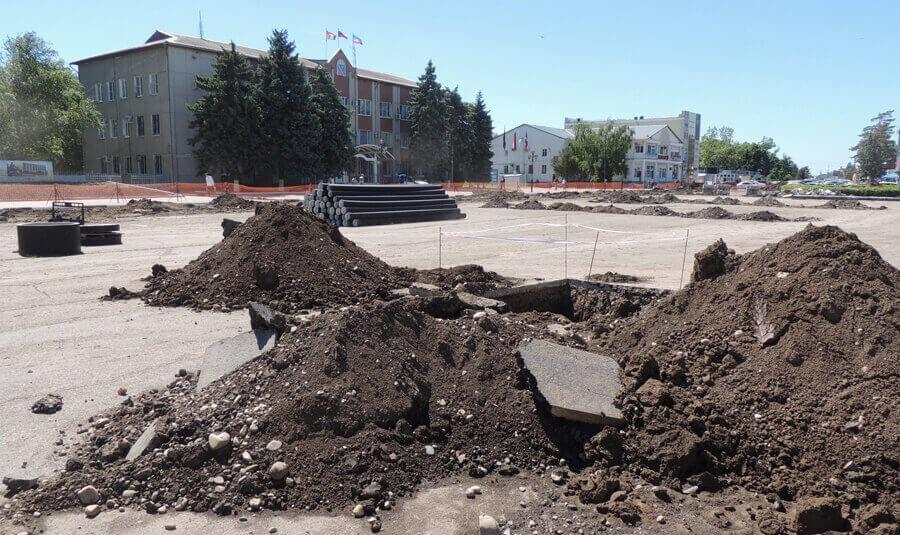 центральная площадь г. Тимашевска, 26 мая 2017 г.
